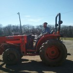 Volenteer on Traktor